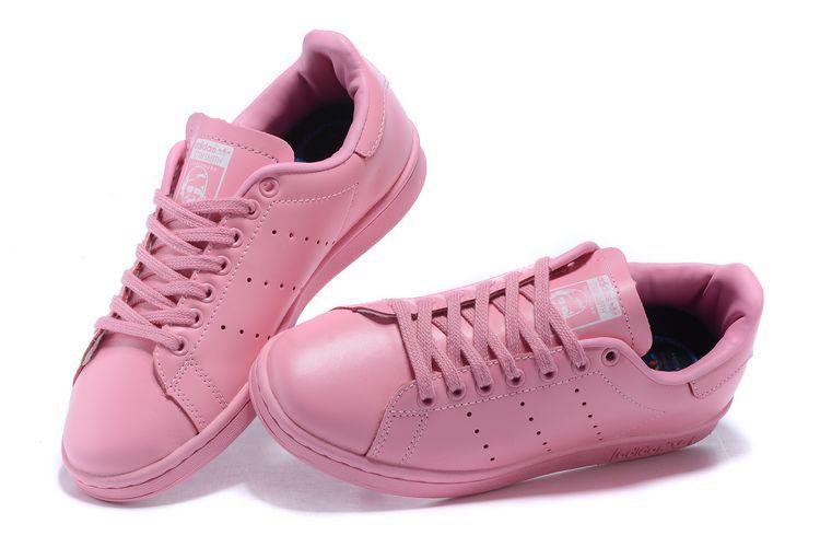 Giày thể thao- xu hướng cho mùa hè năm nay