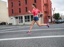 Giày thể thao nữ chính hãng- nên có hay cần thiết phải mua?