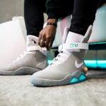 Đột phá công nghệ: đôi giày biết tự buộc dây của hàng giày Nike!!!