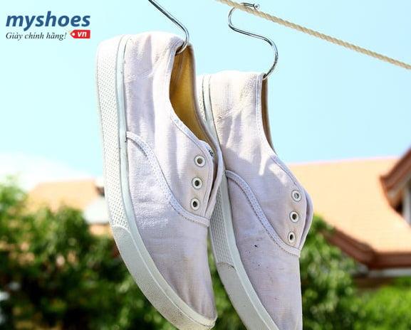 Đánh bay mọi vết bẩn trên đôi giày chạy bộ của bạn
